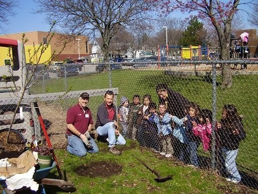 rick-doug-and-kids-tree-planting